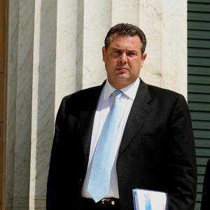 >Ο Υφυπουργός Εμπορικής Ναυτιλίας Πάνος Καμμένος απαντά